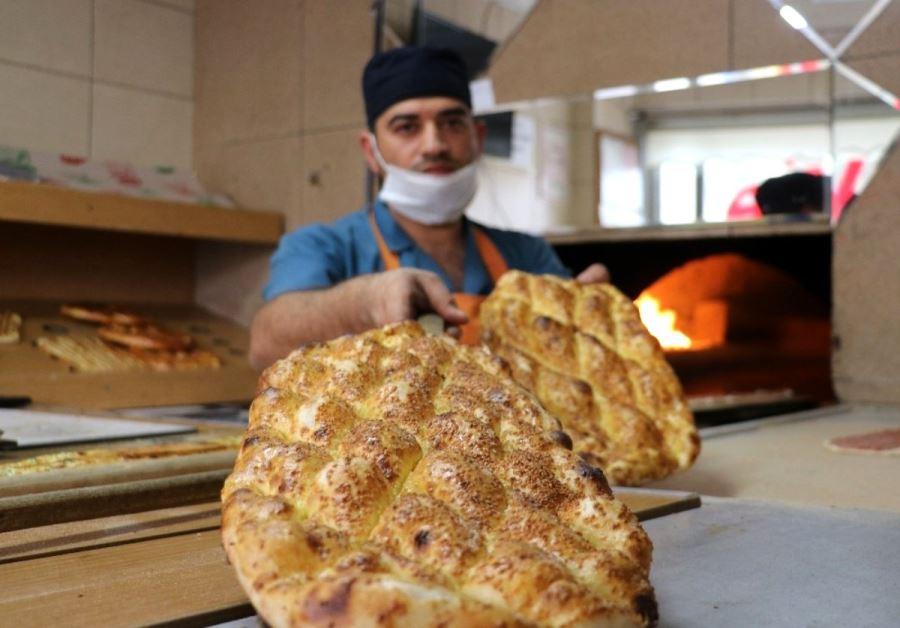 Sivas'ta Ramazan pidesi 2 TL