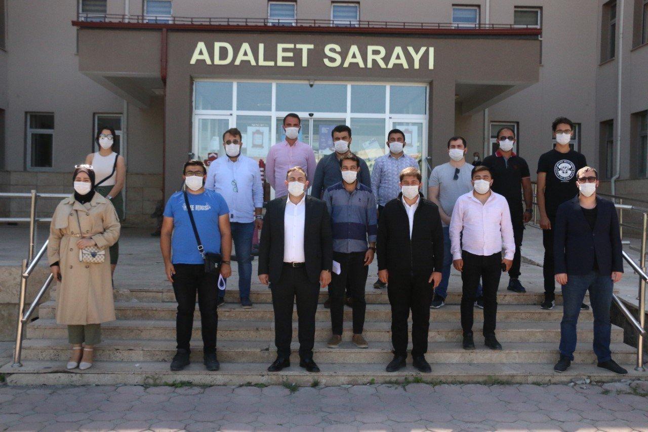 AK Parti Sivas Gençlik Kolları suç durusunda bulundu