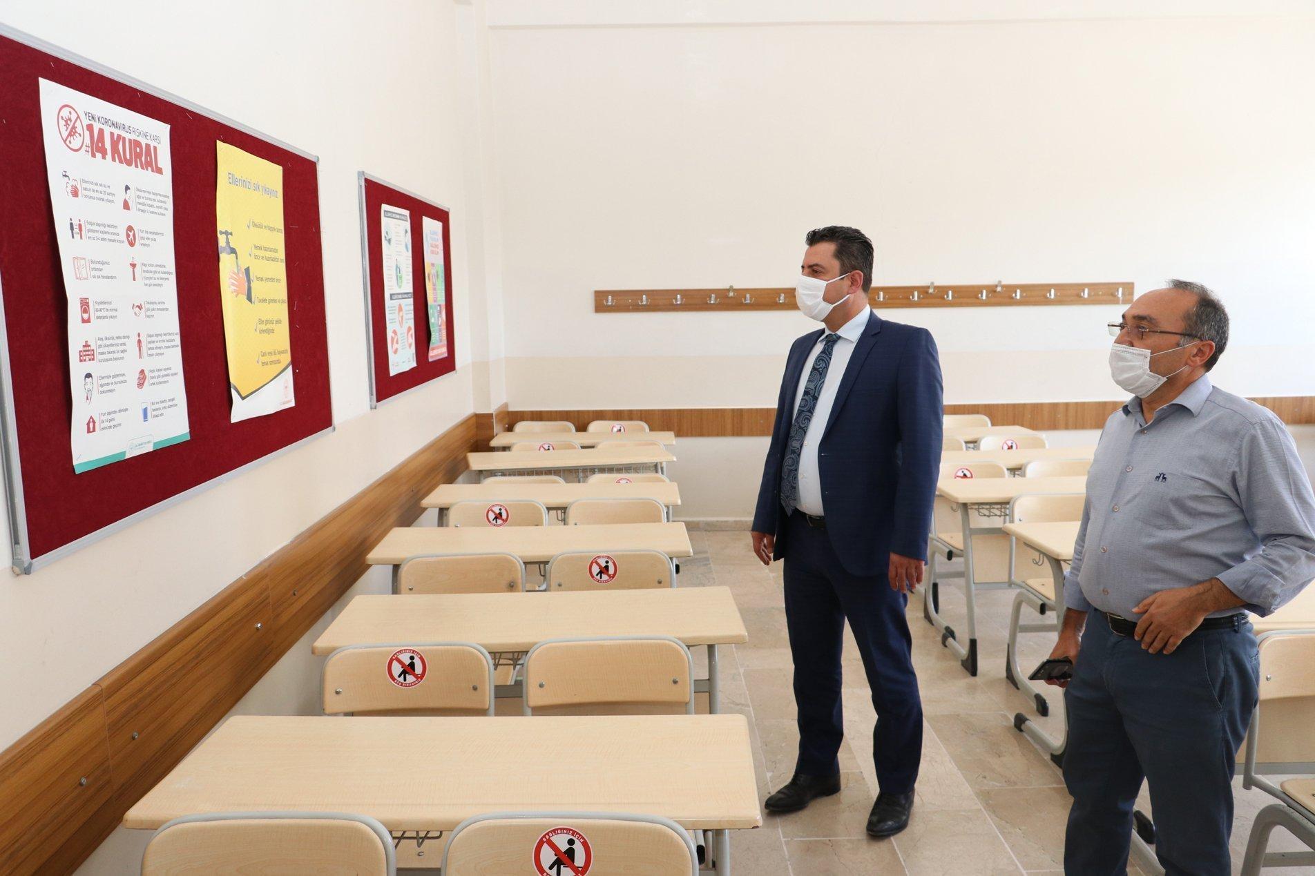 Savaşçı, Okullarda Alınan Tedbir ve Düzenlemeleri Yerinde İnceledi